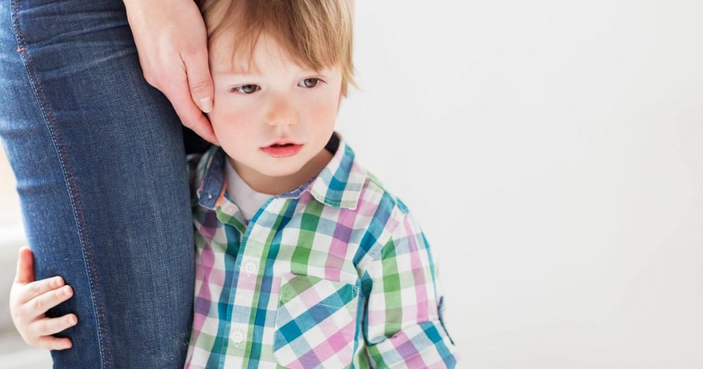 sad-little-boy-holding-to-mother-PJN7ASK-min_opt